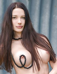 Hottie in the air beamy titties